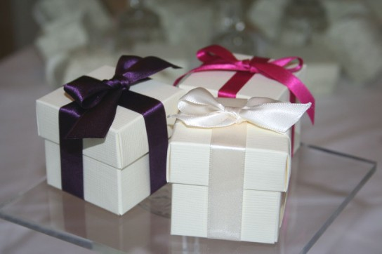Silk favour boxes